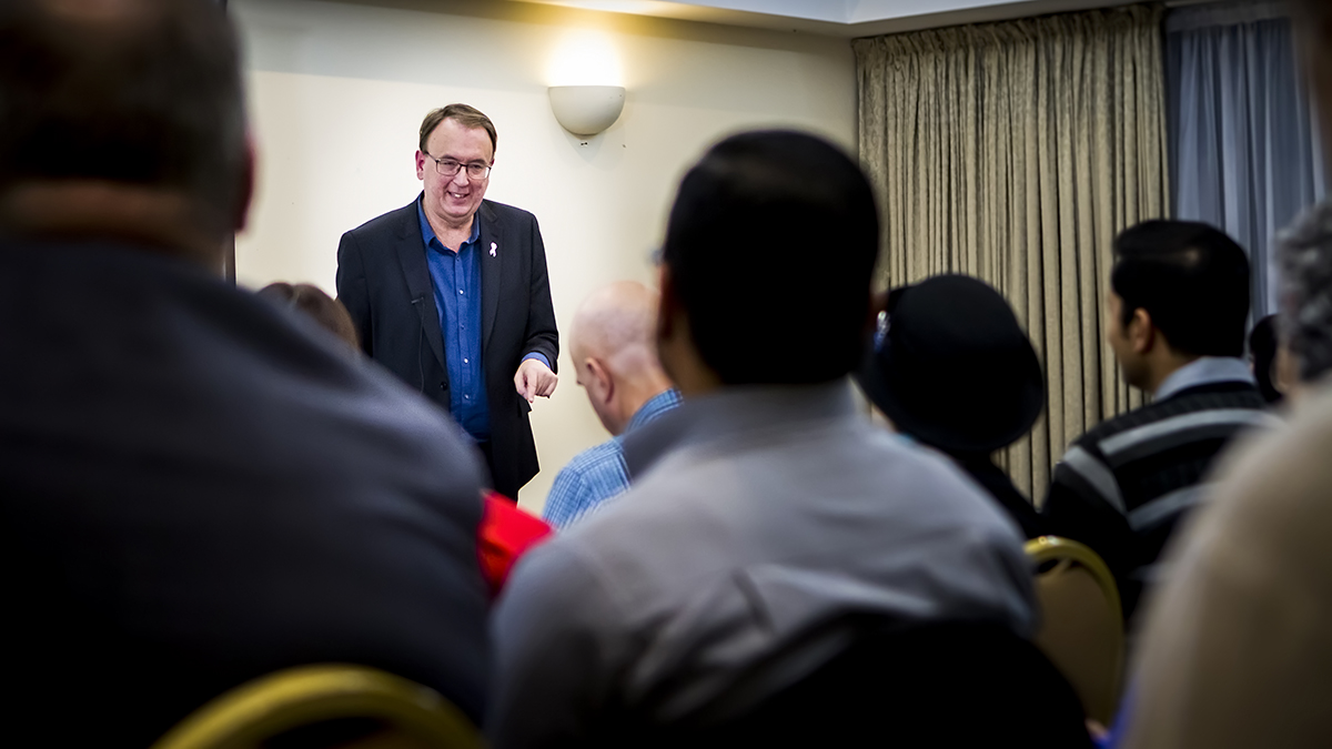 Book Speakers Direct Gary Edwards photo 1